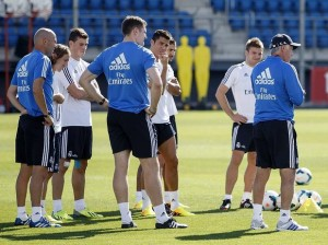 gareth-bale-first-training-2