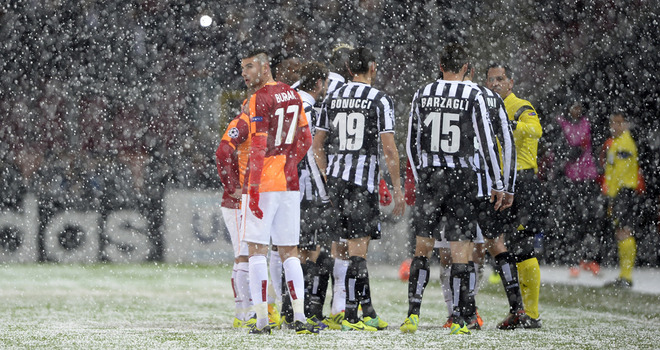 Galatasaray-v-Juventus-snow-hail_3049817