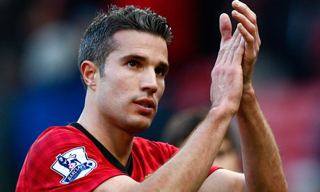 Robin van Persie applauds the fans, Manchester United v Arsenal