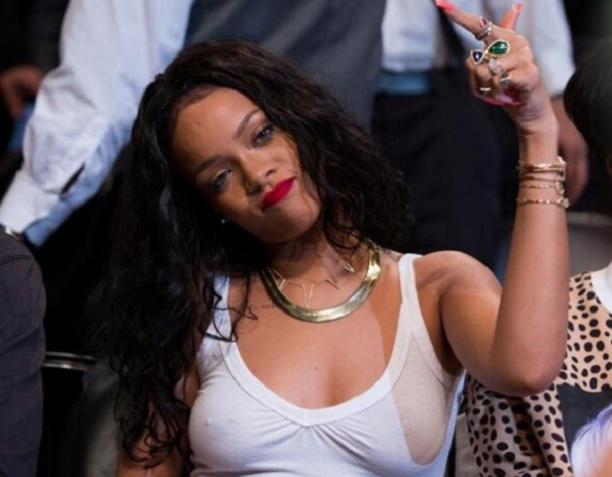 Rihanna-Brooklyn-Nets-braless