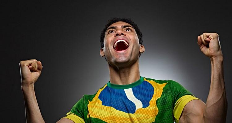 Brasilian Futbol soccer fan face paint from Brazil photo by Monte Isom