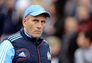 481546_l-entraineur-de-marseille-elie-baup-lors-du-match-contre-nice-le-11-novembre-2012-au-velodrome-300x207
