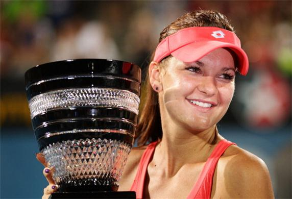 Agnieszka-Radwanska-slaughters-Dominika-Cibulkova-in-the-final-Apia-International-Sydney-2013-212856
