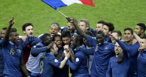 France-v-Ukraine-end-of-match-celeb_3038401