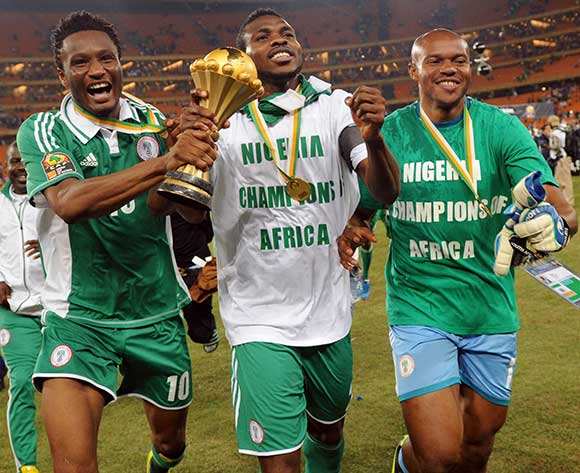 Yobo-celebrates+AFCON-2013