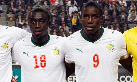 Papiss-Demba-Cisse-and-De-007