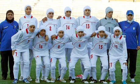 iran-women-football-team-007