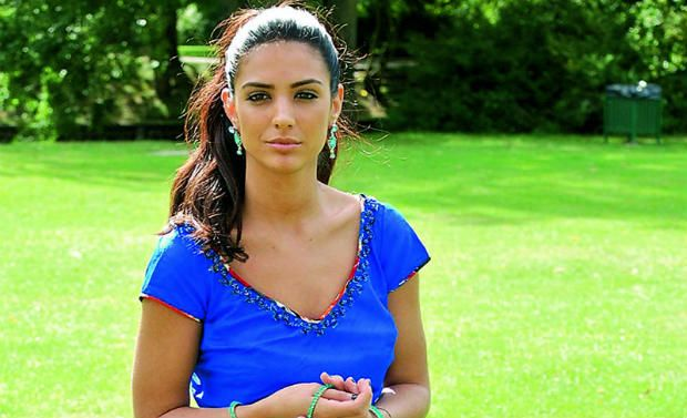 Anara-british-model-actress-03-07-2013