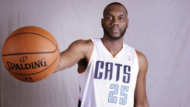 27735-al-jefferson-bobcats-defense