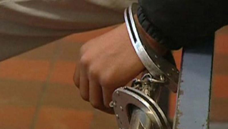 supporter-menotté-prison
