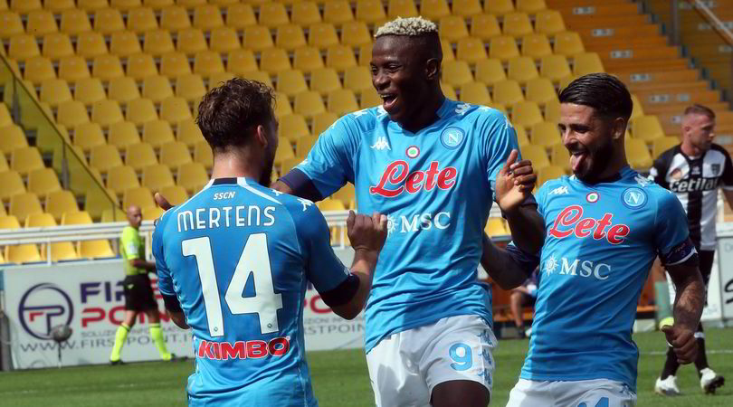 Victor Osimhen celebrating with team-mates dries Mertens and Lorenzo Insigne.