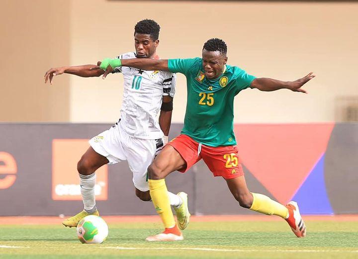 Afriyie Barnieh (Ghana) in action vs Goni Ali (Cameroon).