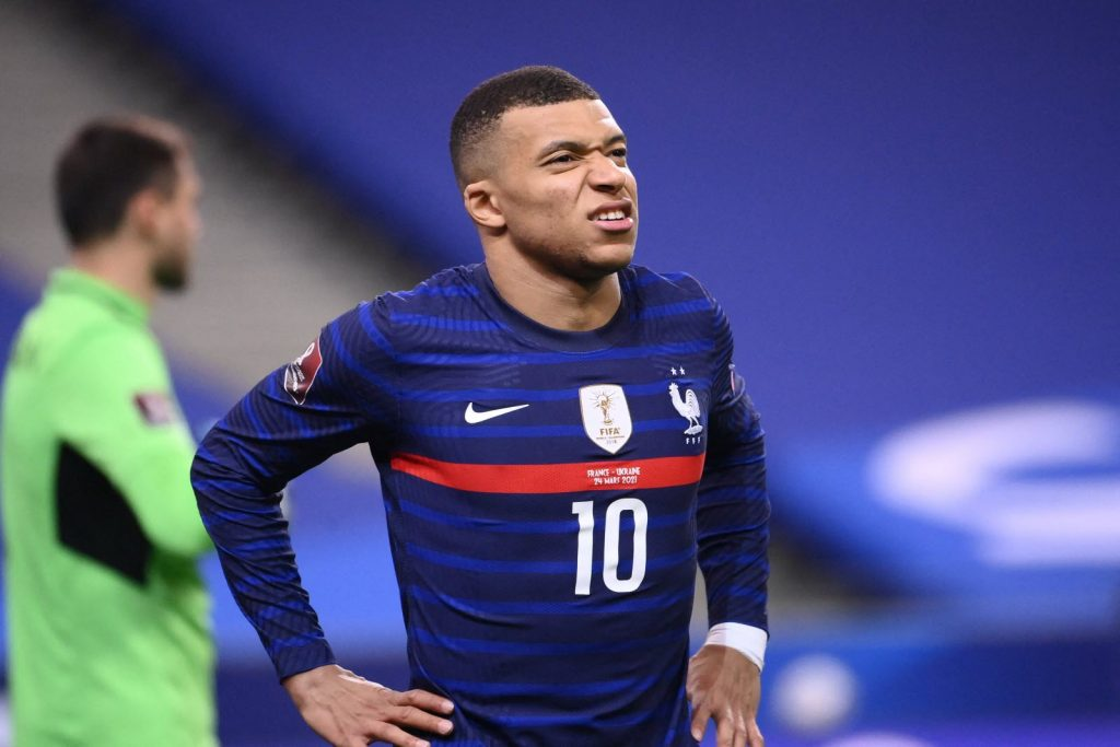 Kylian Mbappe is very affected by his missed penalty.