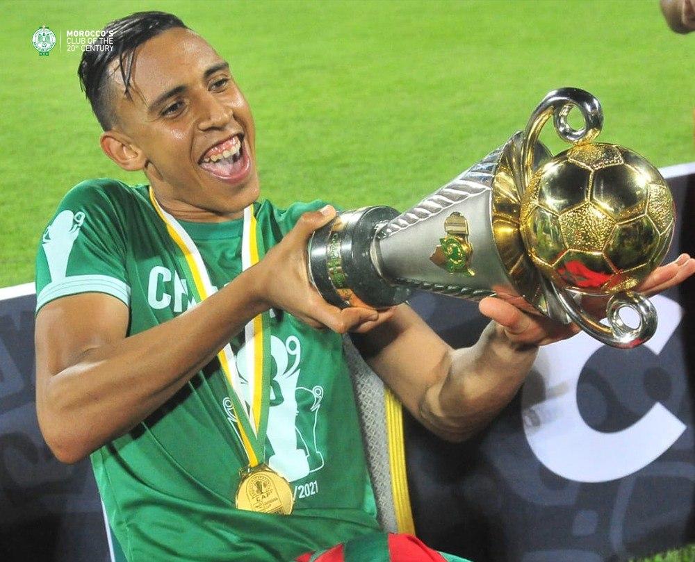 Man Of The Match Soufiane Rahimi celebrating. ©Raja Club Athletic