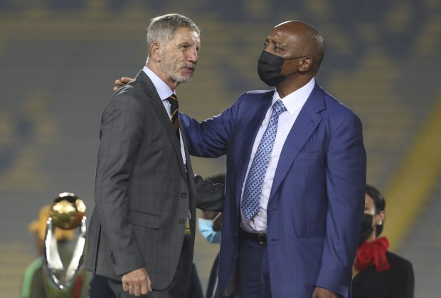 Stuart Baxter and CAF President Patrice Motsepe after Champions League final.