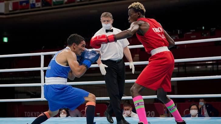 Samuel Takyi vs David Ceibar.